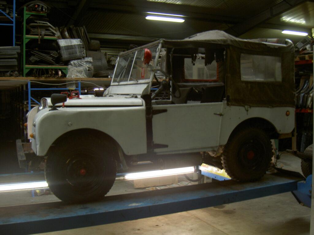 Jansen_Laro_Parts_Land_Rover_Serie_1
